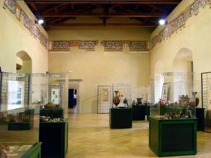 Tricarico_-_Palazzo_ducale_2.jpg