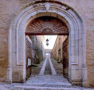 Tricarico_-_Palazzo_ducale_3.jpg